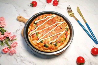 沙拉酱鸡肉披萨