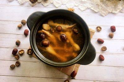 香菇红枣鸡脚汤