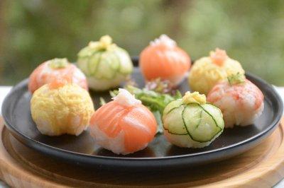 手握球寿司