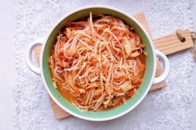 韩式泡菜拌豆芽