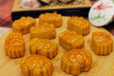 网红螃蟹月饼广式奶黄馅