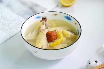 鲜柠檬蜜枣鸡汤