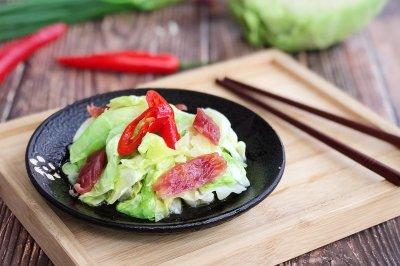 微波炉美食腊肠卷心菜