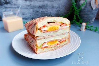 火腿鸡蛋三明治十分钟快手早餐
