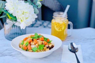 糙米鸡胸胡萝卜沙拉