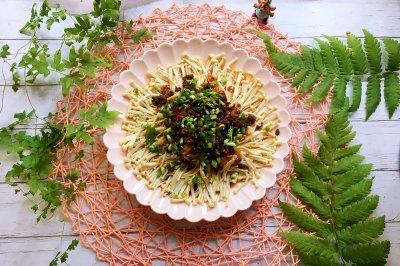 牛肉酱蒸金针菇
