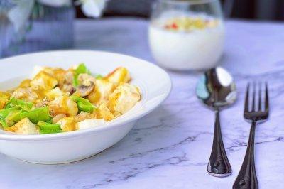 咖喱馒头鸡胸沙拉