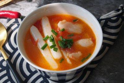 番茄龙利鱼年糕汤