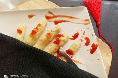 万圣节女巫土豆泥手指