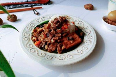 酒酱甜菇葱肉饭