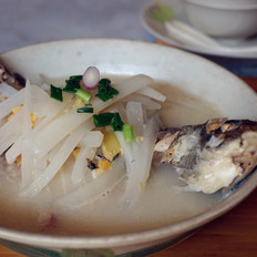 萝卜丝鲫鱼汤