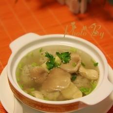 鲮鱼丸滚平菇汤