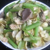 鹅胗芹菜百合