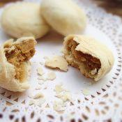 绿豆沙酥皮月饼