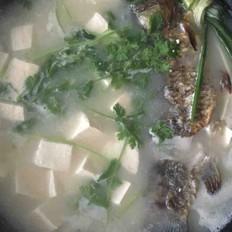 鲫鱼豆腐汤(奶白色)