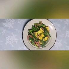 鸡蛋炒苔蒜