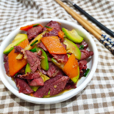 西葫芦炒马肉