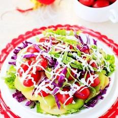 酸奶蔬菜水果沙拉