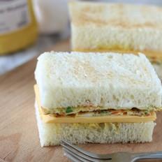 煎蛋奶酪三明治