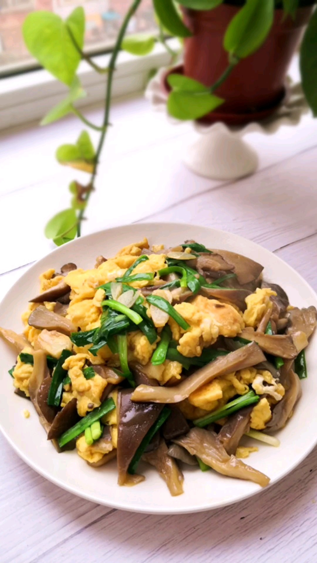 鸡蛋炒蘑菇