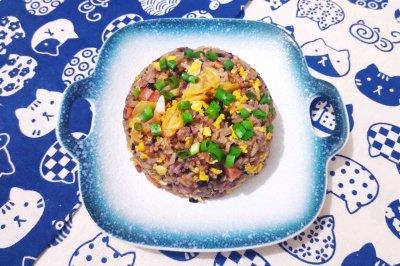 泡菜火腿蛋炒饭(黑米饭版)