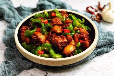 秒杀黄焖鸡米饭的尖椒炒鸡块