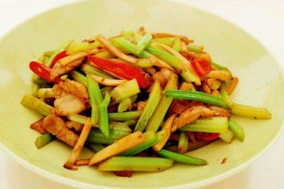 芹菜杏鲍菇小炒肉