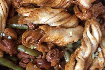 鸡腿肉炖豆角土豆一锅出