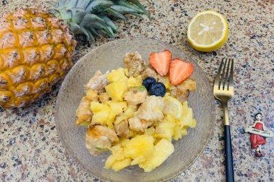 酸甜酥脆:菠萝油条虾