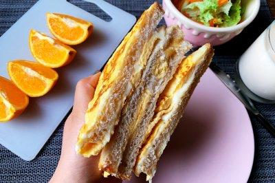 快手早餐鸡蛋芝士吐司三明治