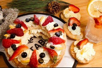 手抓饼版草莓奶油拿破仑