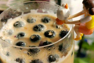 蓝莓焦糖奶茶