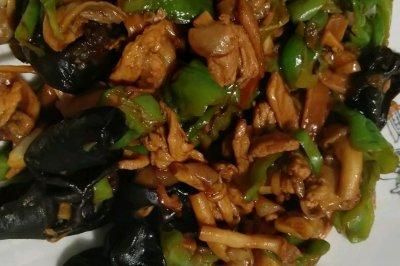 平菇木耳炒肉