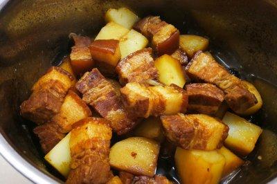 不加油不加大料的红烧肉焖土豆