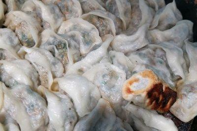干白菜猪肉韭菜蒸饺