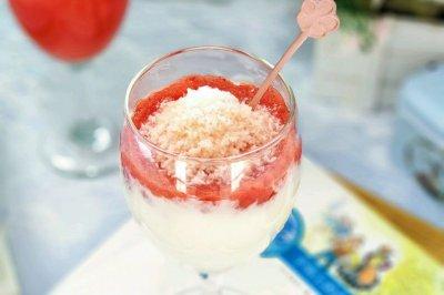 蔓越莓胡萝卜果蓉酸奶杯