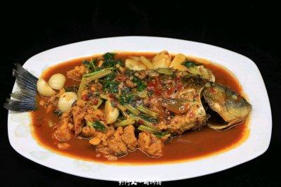 汤汁比鱼更好吃:红烧鲫鱼