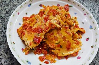 西红柿香葱鸡蛋饼