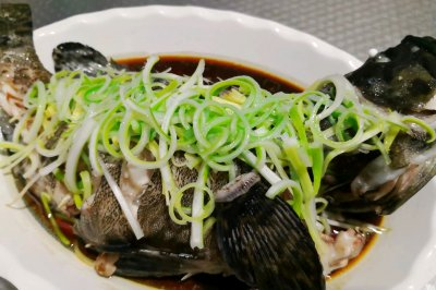 清蒸石斑鱼(油淋)