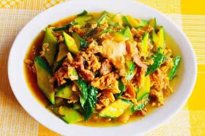家常菜木须肉炒瓜片