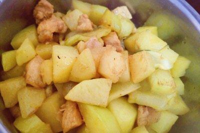 咖喱土豆炖鸡胸肉