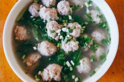 青菜肉圆子汤