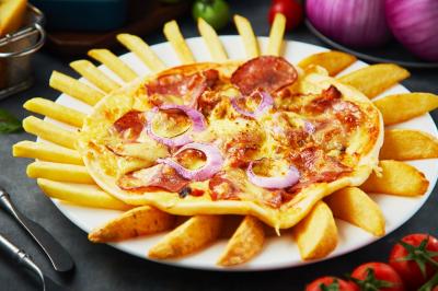 自制香脆可口薯条披萨