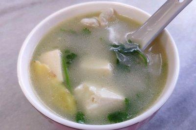 快手汤芫荽豆腐鲫鱼汤