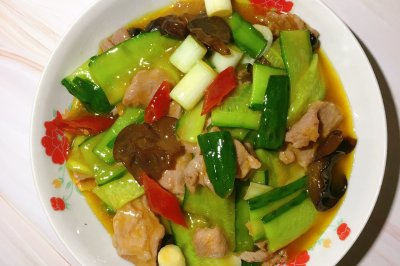 黄瓜木耳肉片