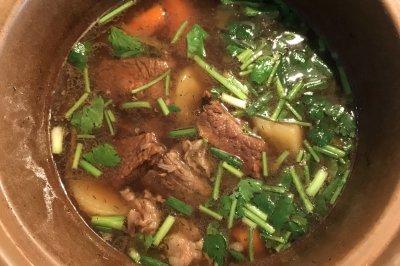 土豆黑胡椒炖牛肉