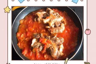 酸酸甜甜的番茄牛尾浓汤