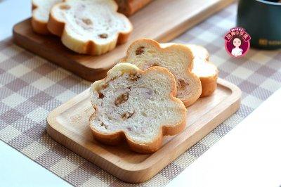 波兰种芋泥葡萄干面包