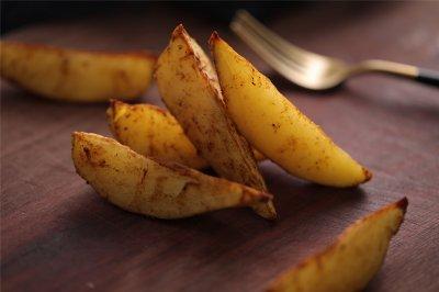台式蒸烤箱:椒盐薯角