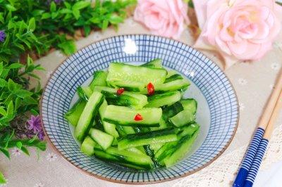夏季必备小凉菜:酸辣黄瓜条